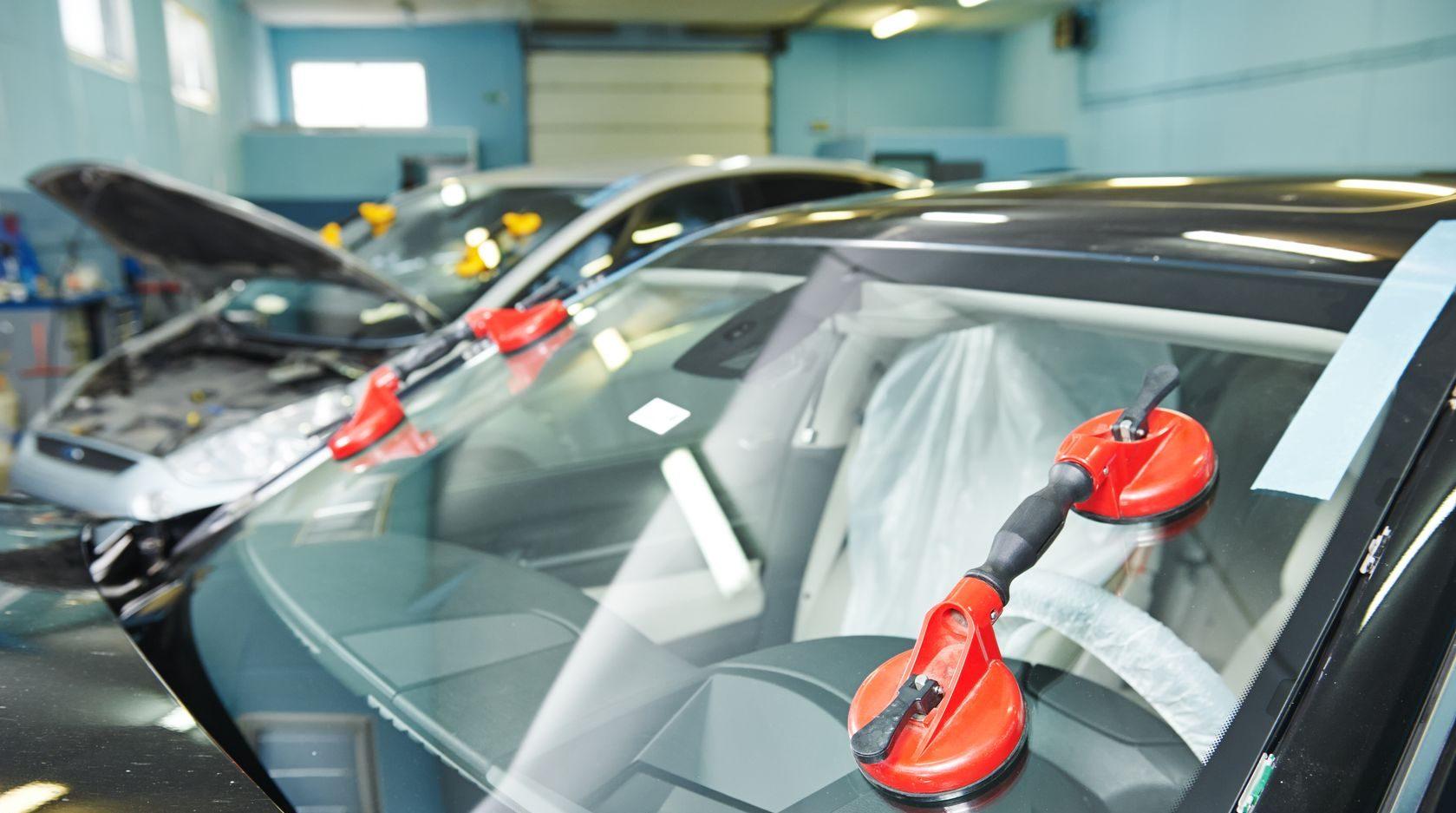 Naprawa Szyb Samochodowych, Foliowanie, Naprawa Pęknięć - Kilkanaście lat na rynku. Najnowsza technologia i unikalne rozwiązania